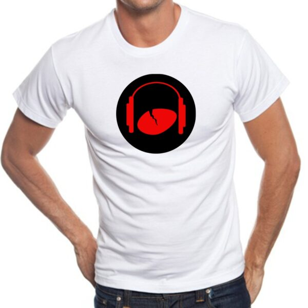 Camiseta cool Huevo roto con cascos auriculares