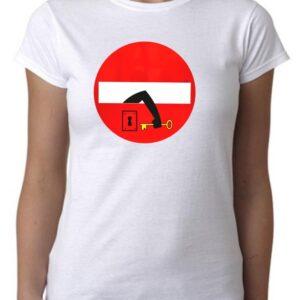Camiseta cool prohibido el paso